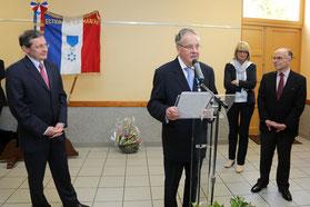 Yves HENRY, maire de Virandeville, lors de la cérémonie de remise de l'Ordre national du Mérite.