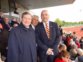 En compagnie de Jonathan Le Tocq, Premier Ministre de Guernesey, et Jean-François Le Grand