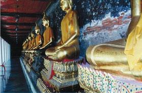 Buddhas in Thailand; Foto: Weil