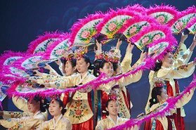 韓国の高校生による民族舞踊