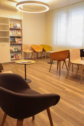 Wartezimmer der Praxis im Zentrum Villmergen