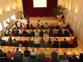 öffentliche Tagungen