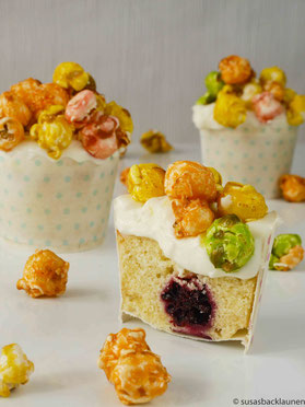 Cupcakes mit Quarkcreme und  Popcorn