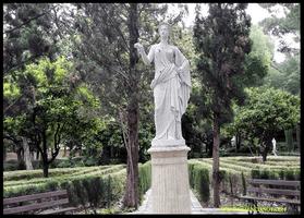 Estatua de la Diosa Flora  en el Jardín de Monforte de Valencia.