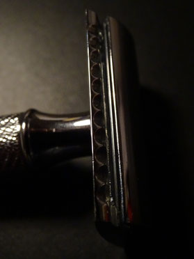 Rasierhobel/ Safety razor. Photo: Men's Individual Fashion.
