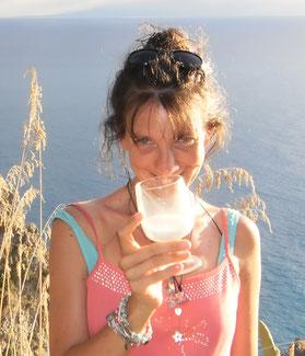 Glücklich bei einem Glas