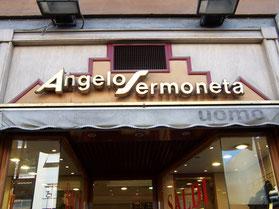Il negozio Angelo Sermoneta, in viale Libia 158, con la sua precedente insegna