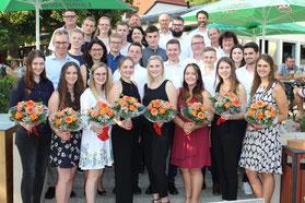 """DEHN sagt: """"Herzlichen Glückwunsch zum erfolgreichen Ausbildungsabschluss!""""  Foto: DEHN SE + Co KG / Hanna Meier"""