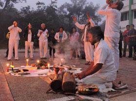 Ceremonia del fuego sagrado maya. © ALAI