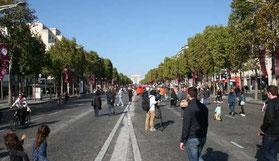 Die Champs-Élysees autofrei