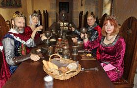 Salle à manger chambres d'hote chateau-fort de Tennessus