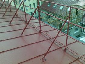 Монтаж ограждений крыши в Кургане