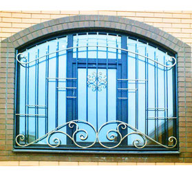 Решетка-на-окно-с-аркой-фото