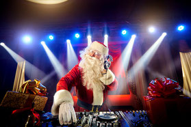 Happy Christmas by Dee-Age DeeJay-Team