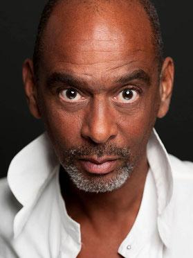 Sprecher Pierre Sanoussi- Bliss