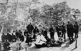Raimund von Stillfried, Der Kaiser von Japan mit Gefolge, 1872
