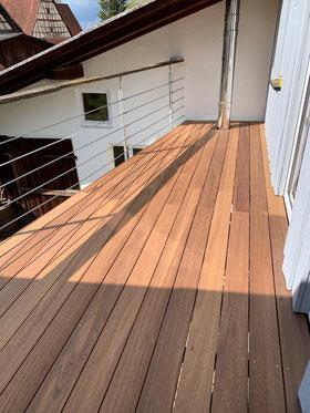 Balkonbelag aus Teak Holz Bretter inkl. Montagezubehör für unsere Kundschaft in Balingen Stockenhausen.