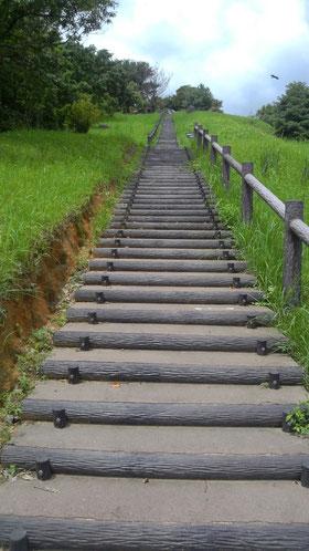 果てしなく見える階段