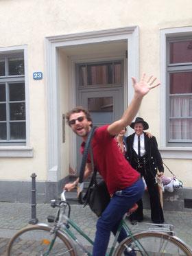 Freier Redner Berlin, Freie Trauung, Hochzeitsredner, Johann-Jakob Wulf, Bayern, Hochzeitsredner Berlin, Dresden, Leipzig, SachsenMünchen, Strauß & Fliege, Blog, Hochzeit, Dresden