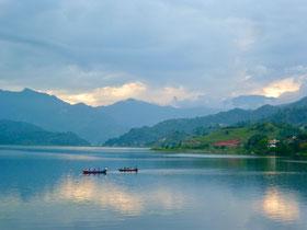 Yoga_Mainz_Bingen_Muenster_Sarmsheim_Nepal_Spende_Donation_Lake_Phewa
