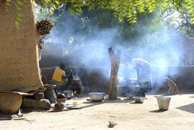 afrique ; village africain ; habitation  traditionnelles ; Nouna ; dolo ; peuple