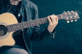Música para adultos, guitarra, piano, Pozuelo de Alarcón