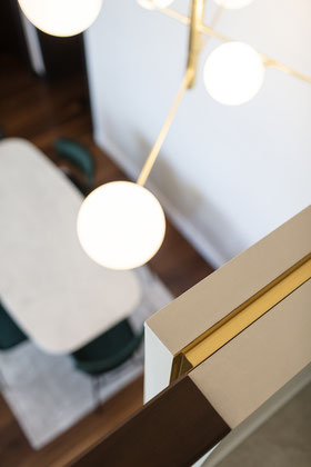 architecte d'intérieur nice, table en marbre, table sur-mesure, ameublement, nice, designer nice, table sur-mesure, architecte nice, architecte, table, marbre, marbre noir, marbre blanc, marbre vert, table à manger en marbre, table à manger design nice
