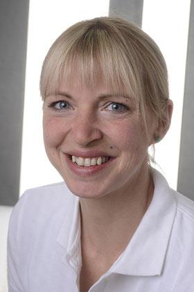 Jasmin Altmann, geprüfte und zertifizierte Qualitätspartnerin für die Liebscher und Bracht Therapie.