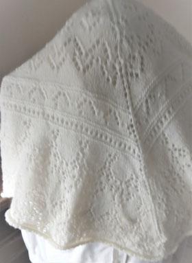 Handgebreide witte sjaal