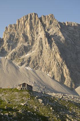 Carschinahütte (SAC) vor der Sulzfluh
