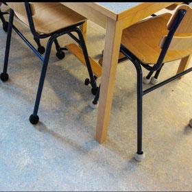 木製家具とサイレントソックス