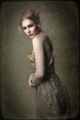 Zerina Kaps, Portrait