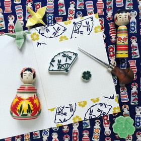 Tampon éventail japonais aux libellules