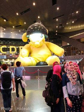 カタールの空港にて。土方隼斗プロも写っている