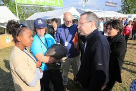 Rencontre avec les travailleurs sociaux et les bénévoles sur le camping