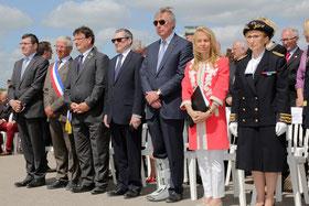 Cérémonie officielle à Ste-Marie-du-Mont, Utah Beach en présence de l'ambassdrice des USA, Jane D. Hartley