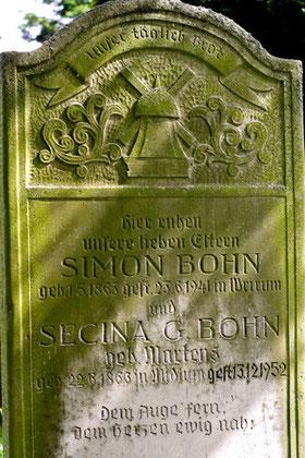 Das Motiv der Mühle, Friedhof Boldixum (OT Wyk) auf Föhr