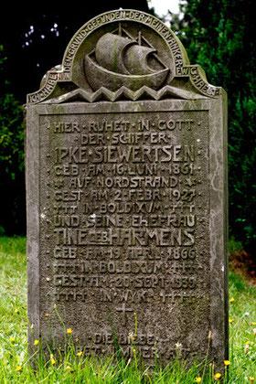 Seefahrer-Begräbnis aus den 1920er Jahren, Friedhof Boldixum (OT Wyk) auf Föhr