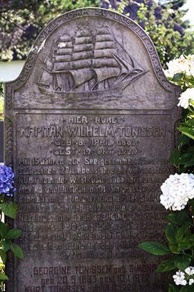 Seefahrerbiographien, Friedhof Nebel auf Amrum