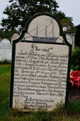 Schiffssymbolik, Blumensymbolik, Friedhof Süderende auf Föhr