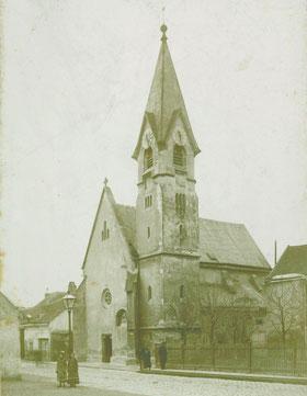 Bereits im Mittelalter wird ein Kirchlein erwähnt.