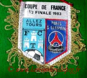 Fanion  Tours-PSG  1982-83