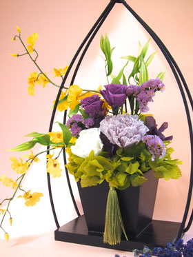 和風,プリザーブドフラワーアレンジ,お供え,ギフト,紫,モダン,黒木製花器