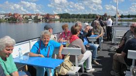 Sonntag: Schiffrundfahrt auf den Seen der Mecklenburgischen Seenplatte.
