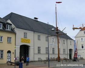 Donnerstag: In Flensburg besuchen wir das Schifffahrtsmuseum.
