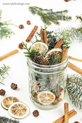 10 plus pine cone decor and crafty diy ideas