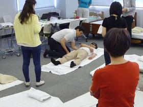 ST大野木先生によるリラクゼーションの実技指導の様子