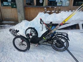 Des skis...