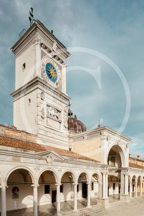 Loggia di San Giovanni con la torre dell'Orologio