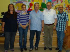 Das Vorstandteam (von links): Melanie Eisert (Schriftführerin), Simone Prell-Kaatz (2. Vorsitzende), Martin Rosenberger (1. Vorsitzender), Pfarrer Dr. Krzysztof Sierpien, Peter Kobert (Kassier)